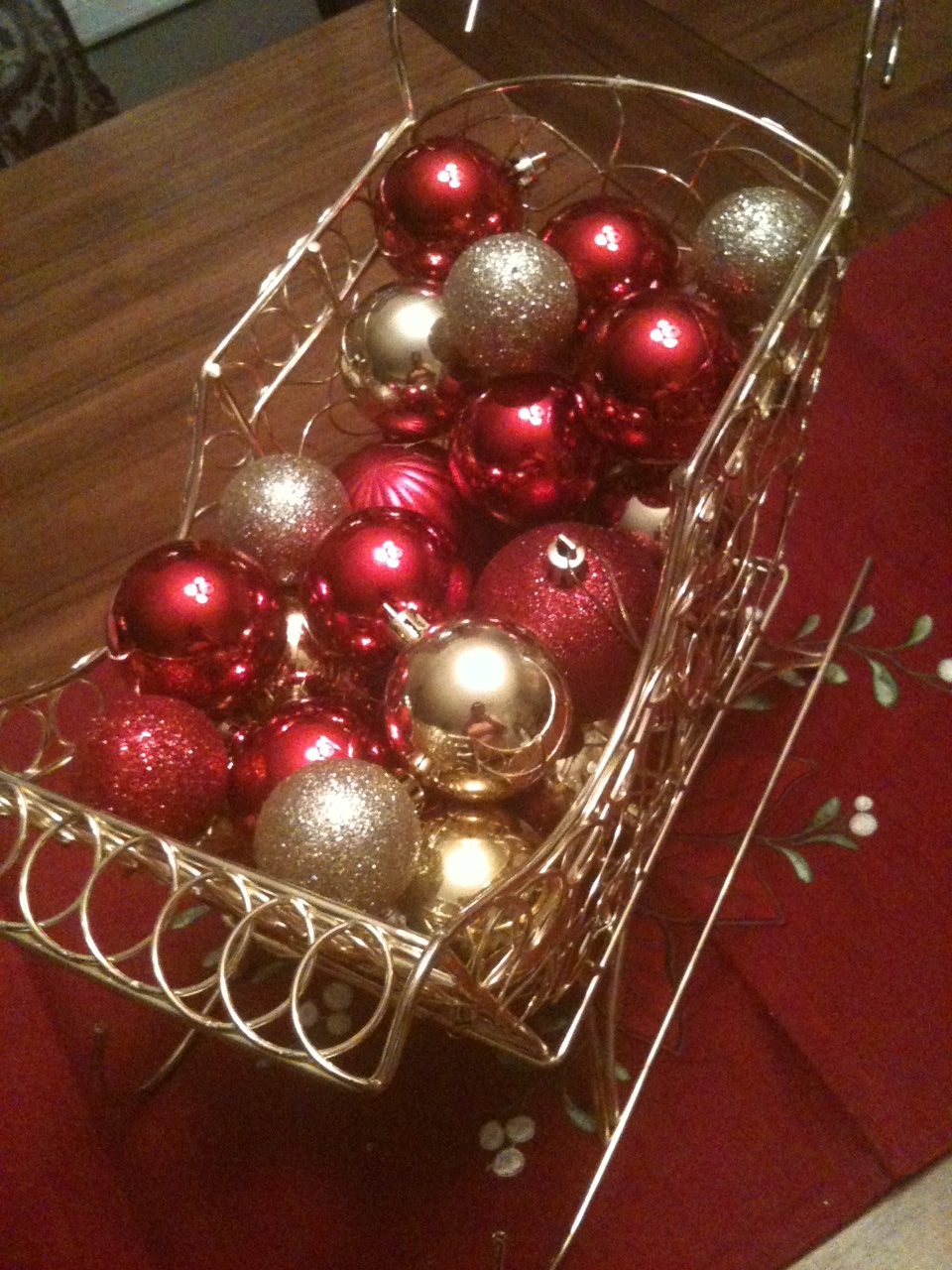 A cheap christmas centerpiece salted chocolate life for Cheap christmas decoration ideas